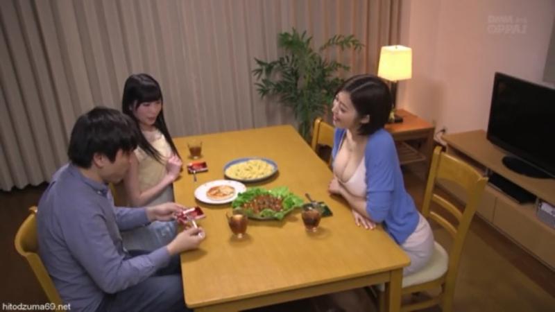 Аппетитная японочка соблазняет парня своей сестры - Japanese милфа milf amateur homemade мамашки домашнее порно xxx full hd porn