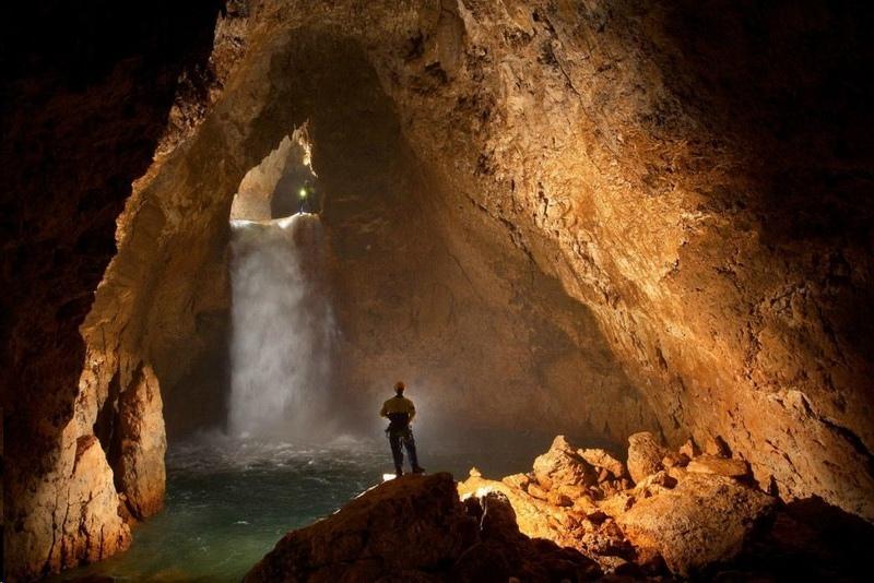 Феномен странных голосов в пещерах