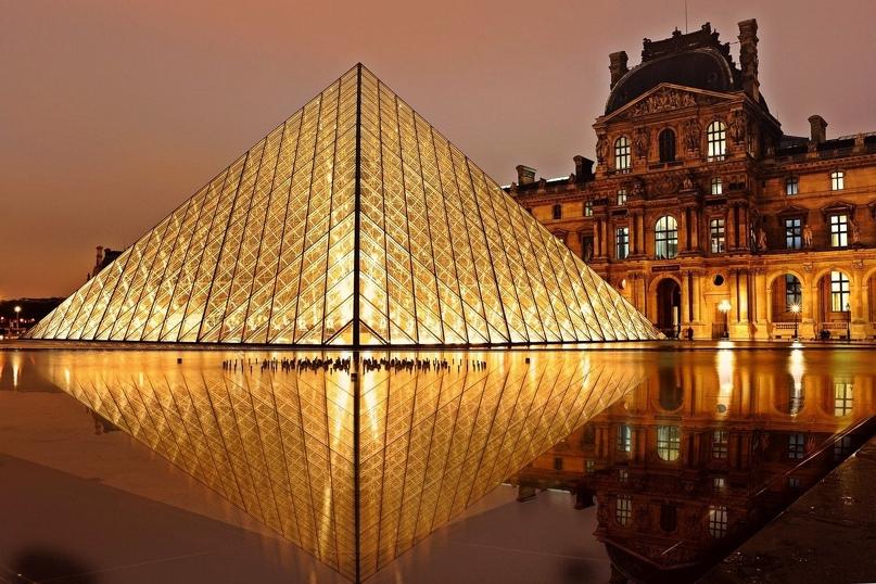 Лувр бесплатно разместил всю свою коллекцию в интернете