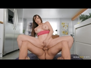 [Brazzers] Lexi Luna - A Quickie While She Cleans [MilfsLikeitBig, 2021.02.25, All Sex, Blowjob, Big Tits, MILF, Facial, 1080p]