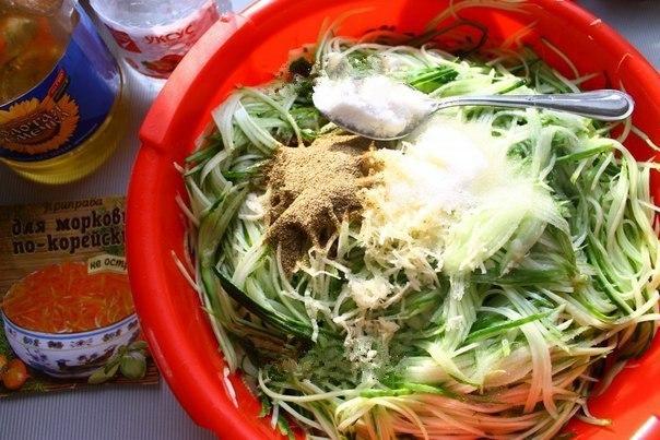 """Салат на зиму """"Огурцы по-корейски с морковью"""".  Если у..."""