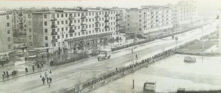 В рубрике «Старые фото Витебска из альбомов горожан» — новый черно-белый снимок....