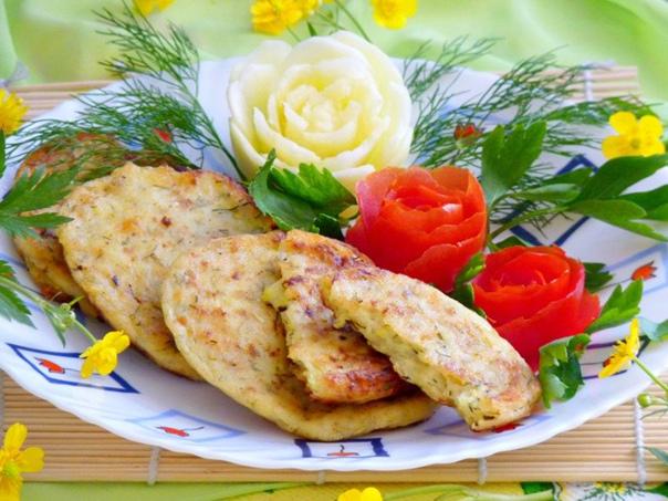 Кабачково-сырные оладьи    Ингредиенты:    Кабачки — 200...