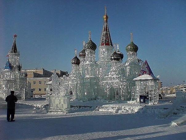 Замок из льда. Оценим!
