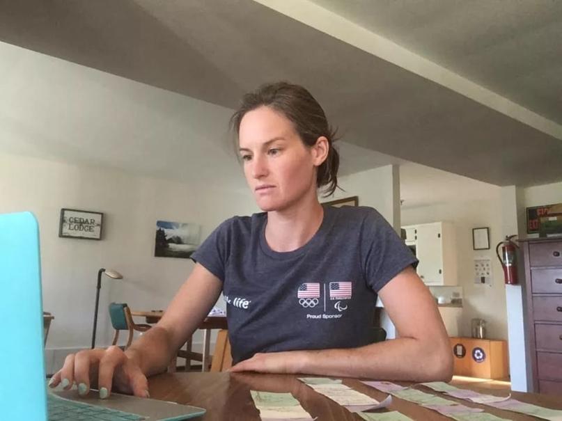 Американская биатлонисткаКлэр Игэн поделилась мнением о россиянинеАлександре Логинове.