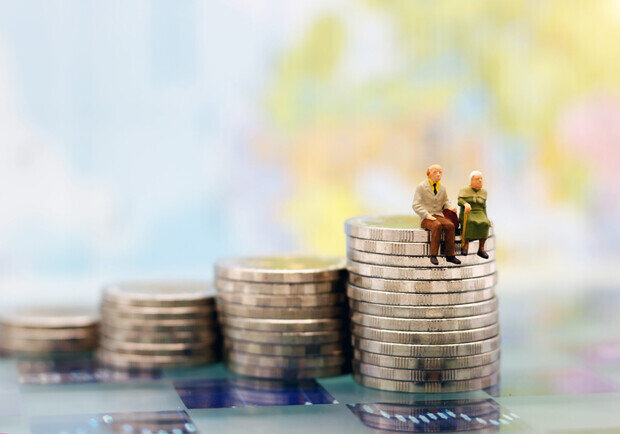 Обрадуй бабушку: в марте украинцам добавят к пенсии в среднем по 308 гривен.