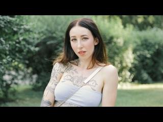 PublicAgent - Esluna - A Blowjob for a Free Tattoo [Milf,Mature,Сzech,Секс на улице,Грудь,Попа,Минет,На камеру,Раком,2021]