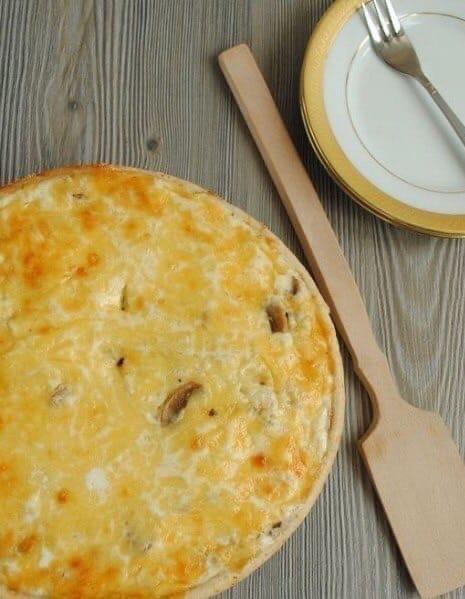 Лоранский пирог с курицей и грибами  Ингредиенты:  Тесто: 50 гр. сливочного...