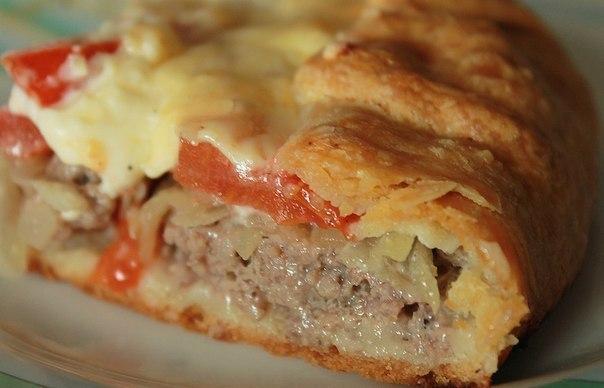 """Открытый мясной пирог с картофельным тестом  """"Изюминка"""" этого рецепта..."""