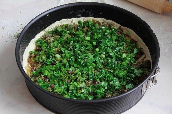 Киш с грибами и помидорами  Ингредиенты:  Слоеное тесто (можно взять...