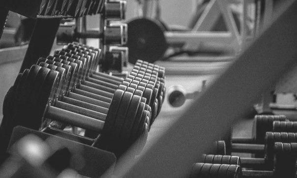 5 лучших упражнений с гантелями