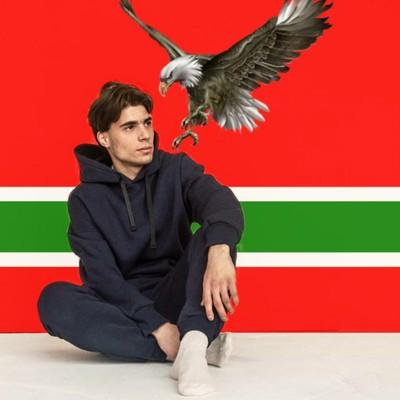 Аслан Караханов, Саратов