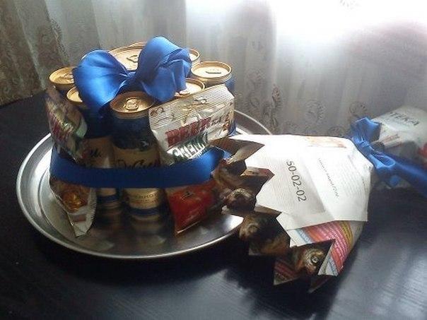 Подарок мужу на 23 февраля.  Торт и букет.