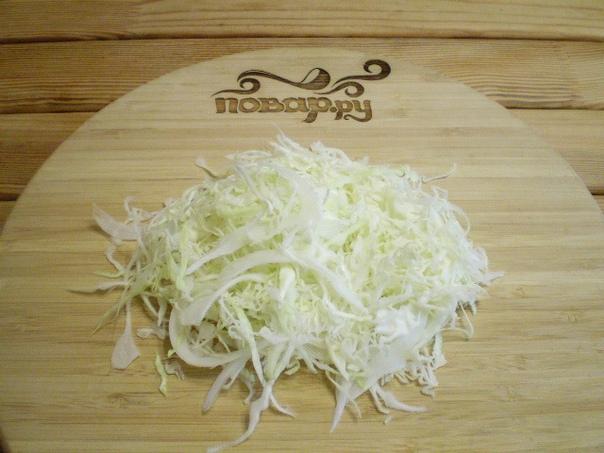 """Салат """"Белоснежка""""  Для салата отварите яйца, нашинкуйте капусту, все..."""