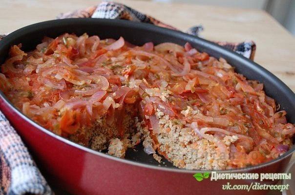 Низкокалорийная рыбная запеканка с томатной подливой - потрясающий легкий и питательный ужин