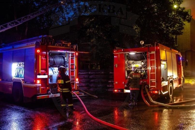 Пожар в Соль-Илецке: сгорели жилой дом и два авто