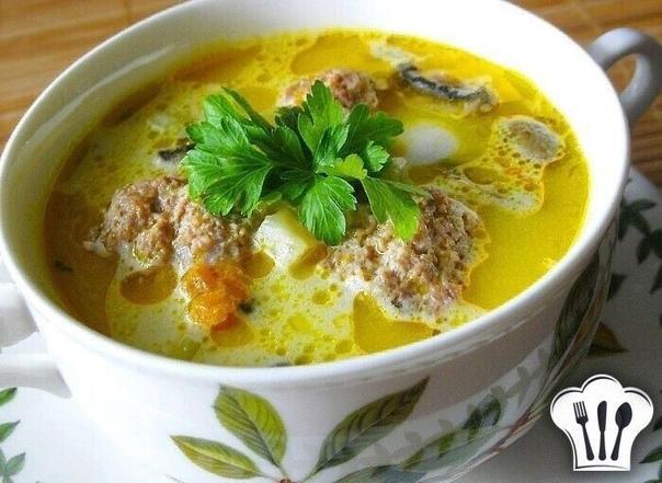 А что у нас к обеду? Наваристый и вкусный суп с фрикадельками и шампиньонами