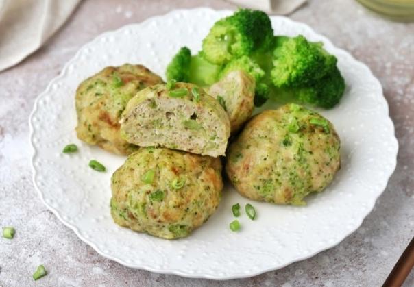 Очень нежные, сочные и вкусные котлеты на ужин. Отличный способ накормить полезн...