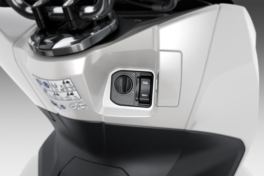 Скутеры Honda PCX 2021