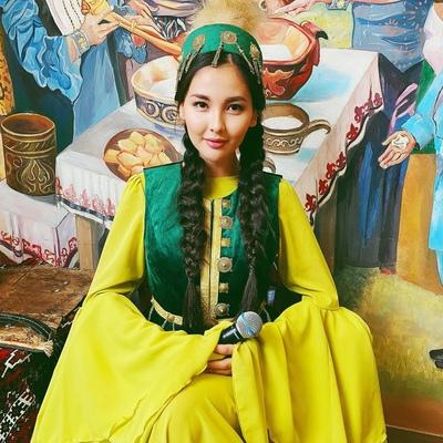 Айдана Меденова, Алматы
