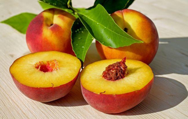 Персики - одни из самых вкусных и полезных летних фруктов. Богатые витаминами А...