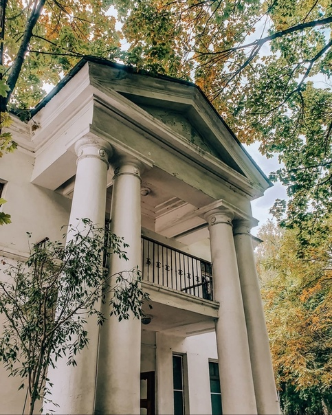 В Переделкино есть единственный на планете поселок писателей. Его начали строить в 1933 году.   Здесь... Москва