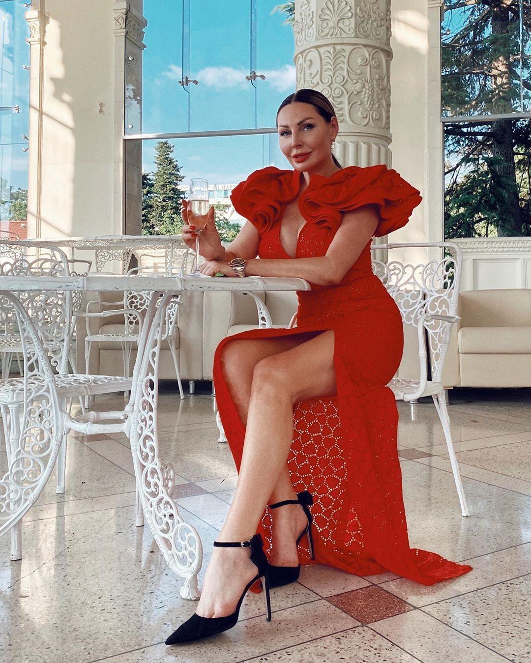 Наталья Бочкарева не забывает про спорт и выглядит отлично