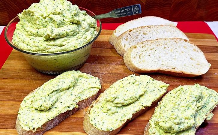 Одна из самых нежных и вкусных намазок на хлеб на удивление делается из обычных...