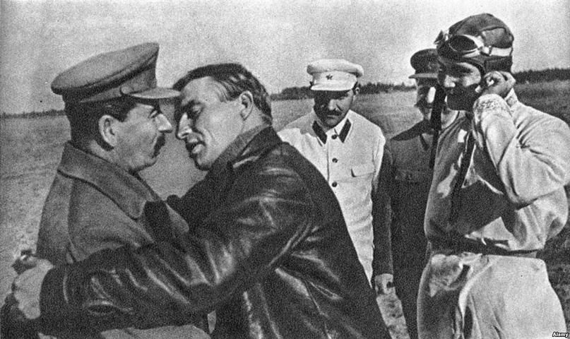 Роль большевиков в разрушении брака и семьи., изображение №1