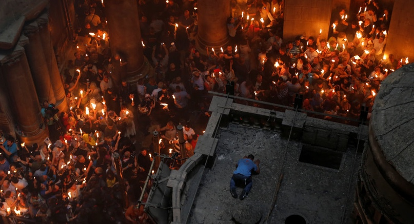 Частицу Благодатного огня доставят в Минск чартером накануне Пасхи.