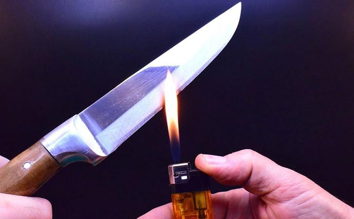 Иногда для заточки ножа под рукой не бывает ни точильного камня, ни других привы...
