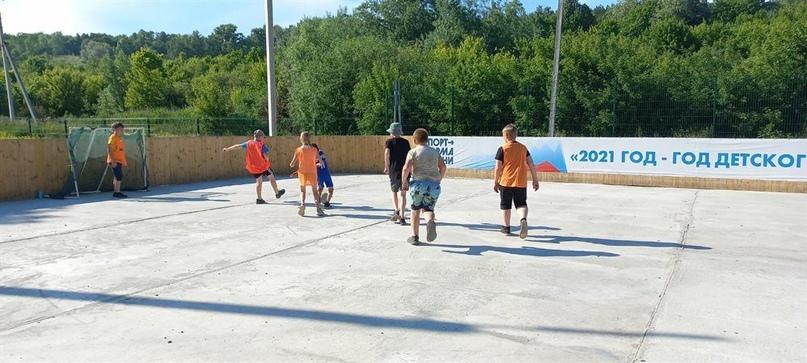 29 тренеров ТОСов устраивают спортивный досуг во дворах Ульяновска