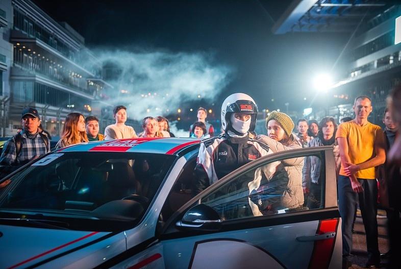 На трассе Формулы 1 в Сочи проходят съемки сериала с Юлией Топольницкой