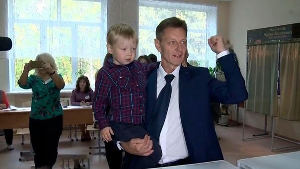 Губернатор Владимирской области Сипягин уехал лечить коронавирус в платную моско...