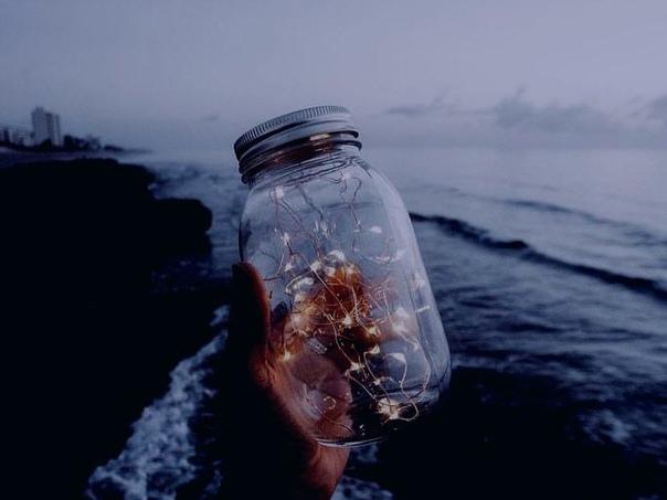 Кто-то сказал мне однажды — жить ради мелочей. Жить ради рассвета в пять утра и...