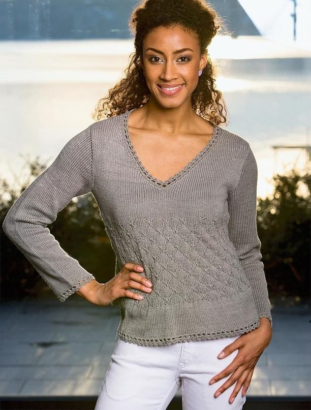 Пуловер с узором из мелких ромбов