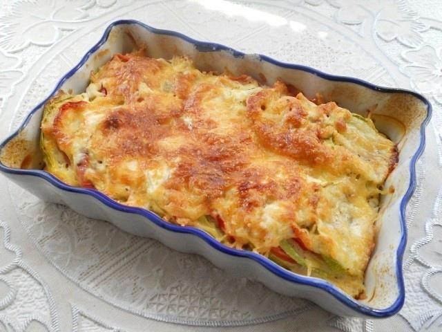 Кабачки, запеченные с помидорами и сыром в духовке