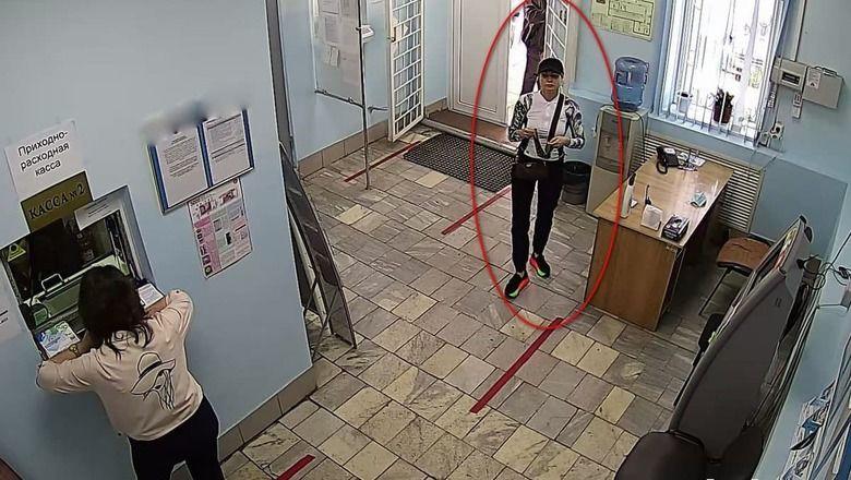 В Оренбурге поймали мошенницу, которая по поддельным паспортам забирала чужие деньги