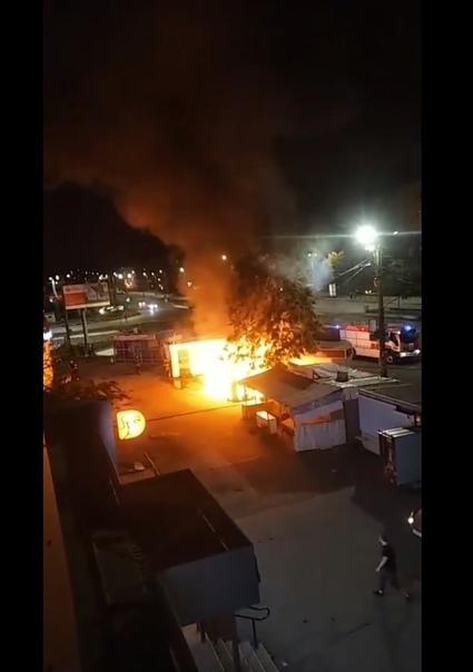 В Челябинске сгорели киоски на остановке «Теплотехнический институт» Челябинск