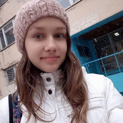 Лера Асмолова
