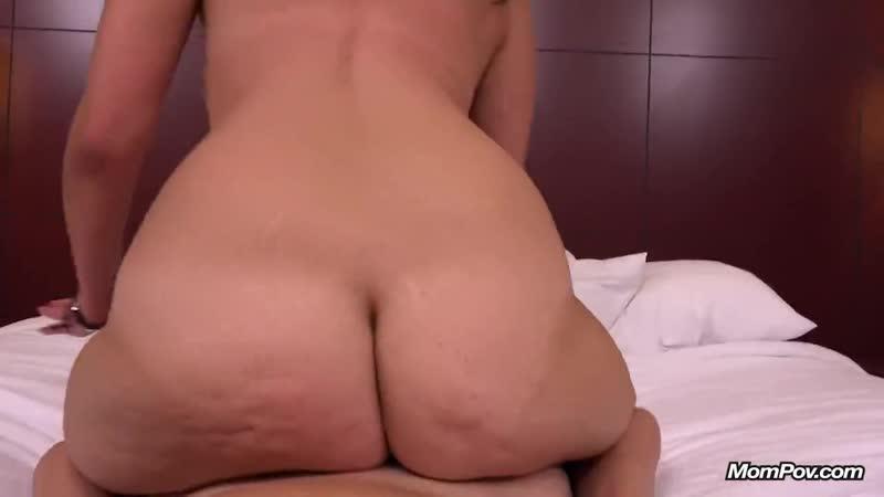 Трахает сорокалетнюю женщину до оргазма, POV mom milf sex mature porn tit