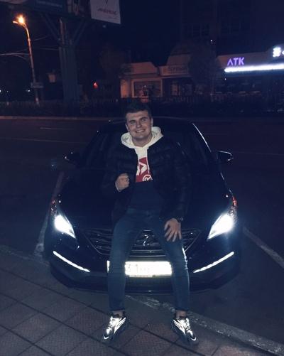 Данил Коломоец
