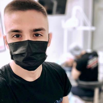 Дамир Омаров