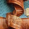 Деревянные лестницы и комплектующие к ним.
