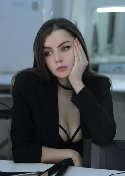 Elizabeth Milkovich, Санкт-Петербург