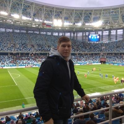 Максим Хнуев, Бор (поселок)