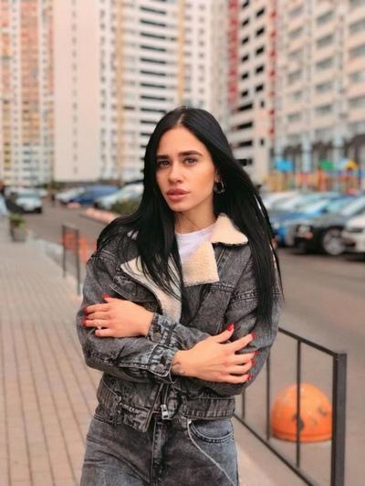 Violeta Krylova, Moscow