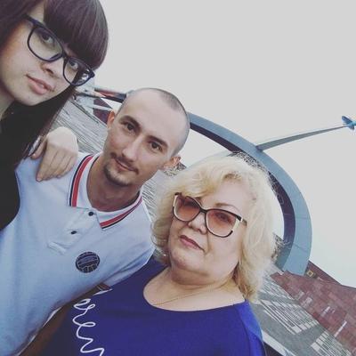 Венера Париховна, Москва