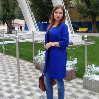 Дина Янукова
