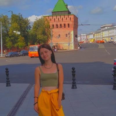Анна Зелец